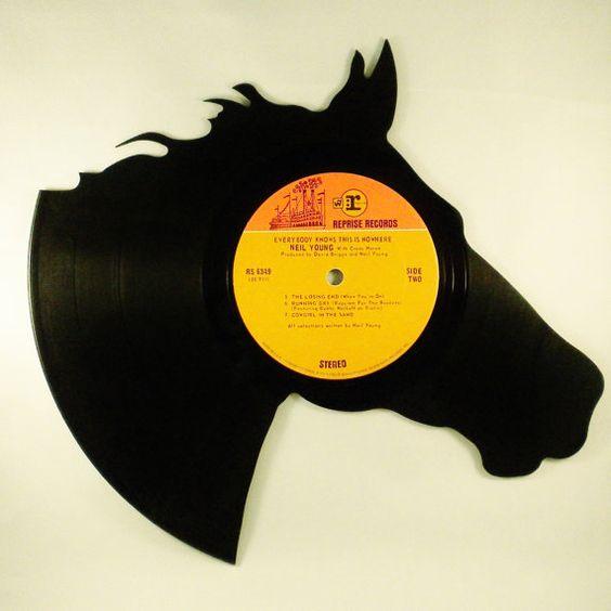 The Wonderful World Of Vinyl Record Art To Evoke The Past ...