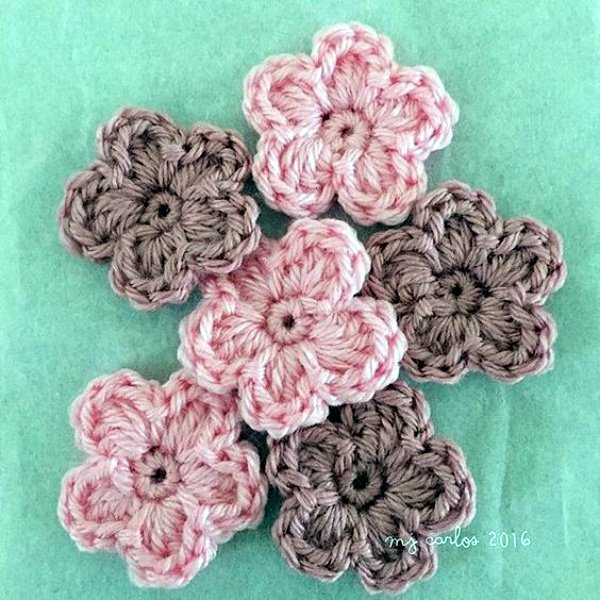 Free Patterns For Crocheted And Knitted Flowers