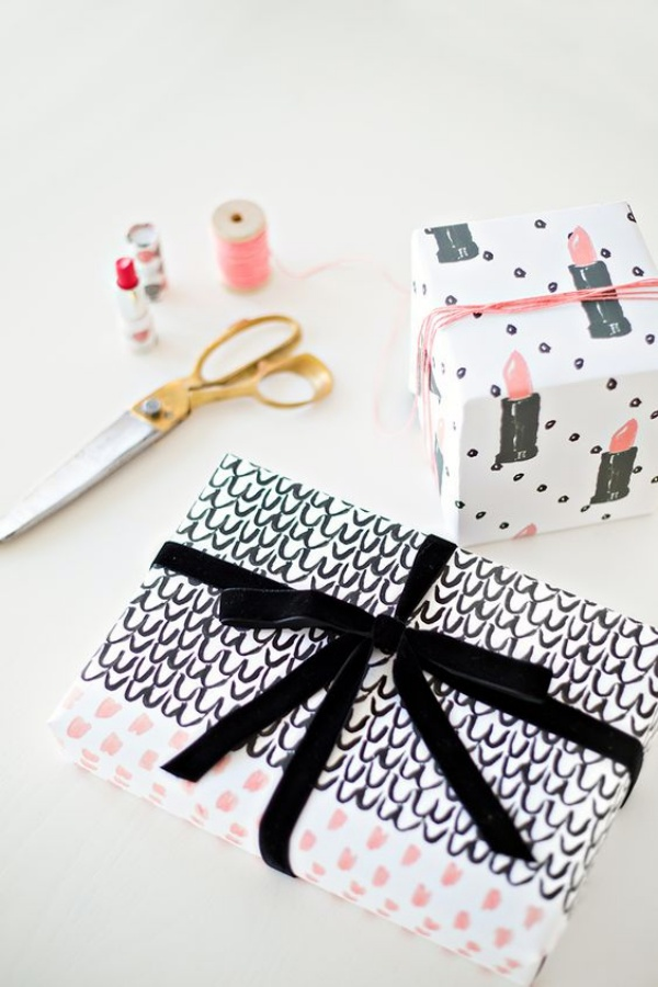 How to wrap a present 40 examples with pictures for How to wrap presents with wrapping paper