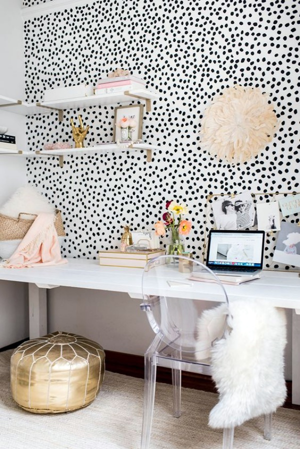 ordinary Personal Office Decorating Ideas Part - 8: A white background with black polka dots and a touch of lace or two can be  a simple but effective to add a personal touch to your working space.