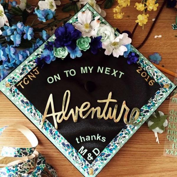 40 Speaking Graduation Cap Decoration Ideas - Bored Art
