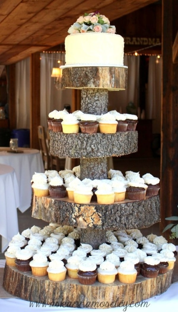 Tree-Stump-Decoration-Ideas