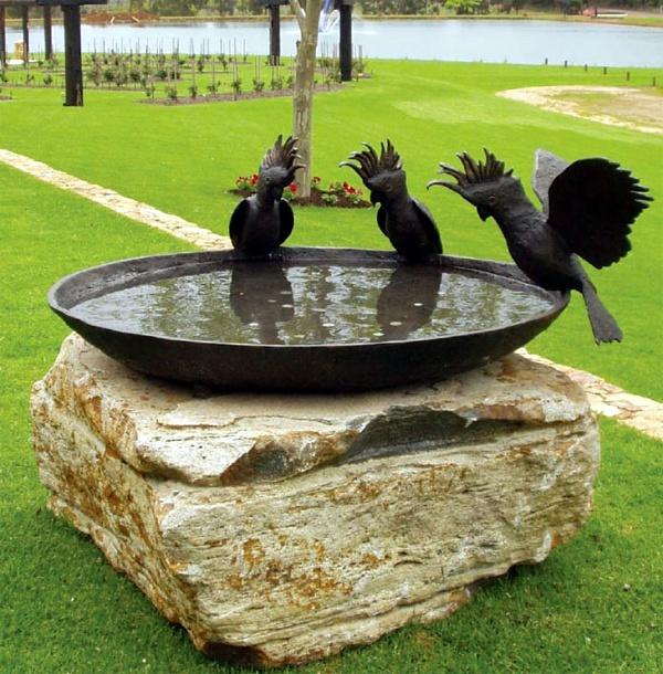 40 Uncommon Bird Bath Examples