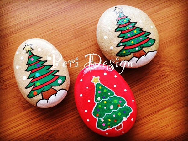 35 DIY Christmas Painted Rock Ideas , Bored Art