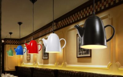 Simple-Yet-Beautiful-Hanging-Teapots-Decoration-Ideas