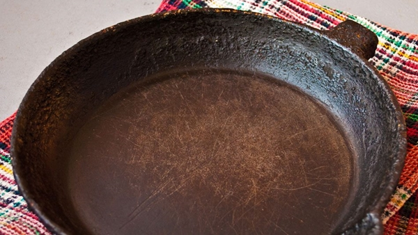 get-rusty-cast-iron-skillet-rust-free