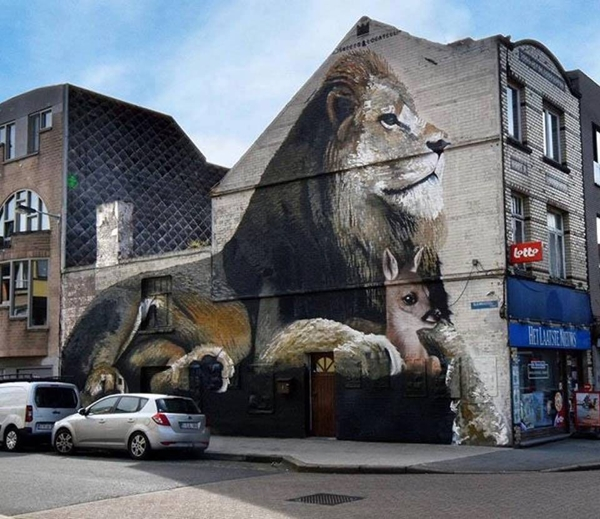 out-of-the-world-street-art-installations