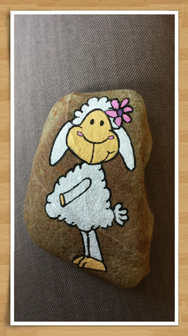 meaningful-pet-rock-art-examples