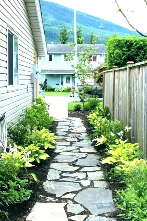 40 Beautiful Small Front Yard Landscaping Ideas - Bored Art on Small Landscape Garden Design  id=50717