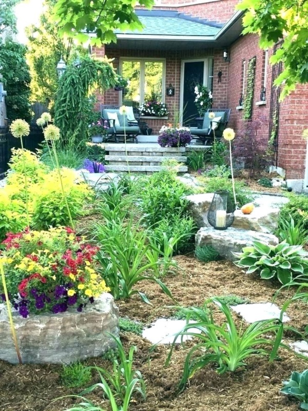 70 Best Front Yard And Backyard Landscaping Ideas: 40 Beautiful Small Front Yard Landscaping Ideas