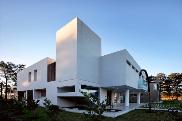 extraordinary-architecture-designs-of-zaha-hadid