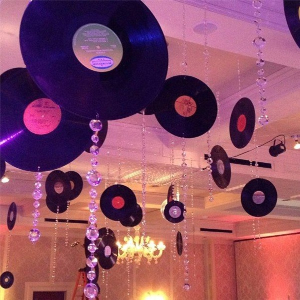 examples-of-disco-theme-party-decorations
