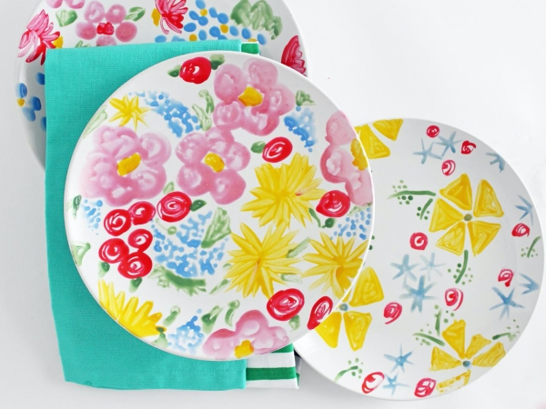 9. DIY Food colouring Painted Plates